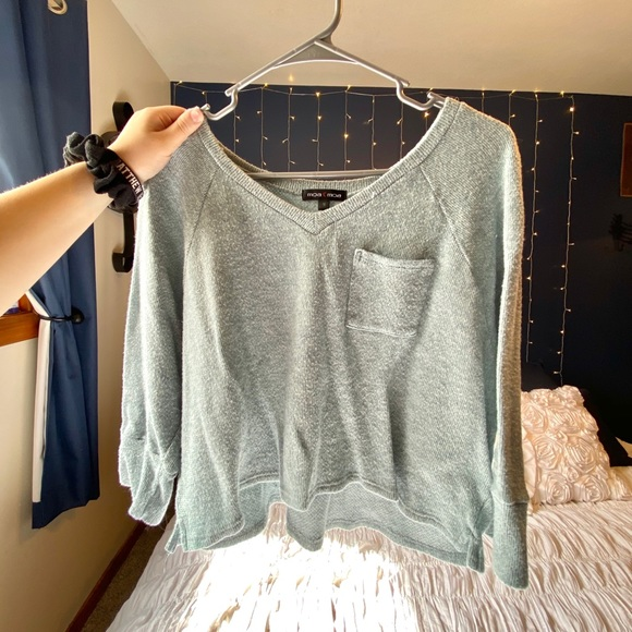 Sweaters - Mint/blue Cropped Sweater